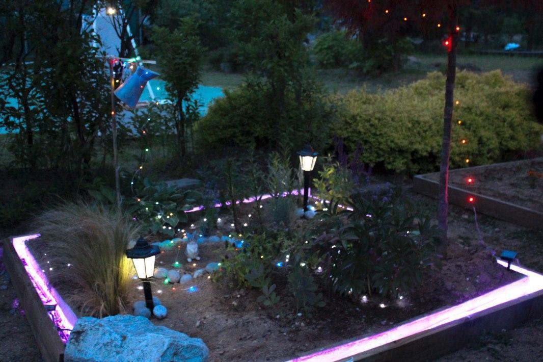 봄의 정원 (밤).jpg