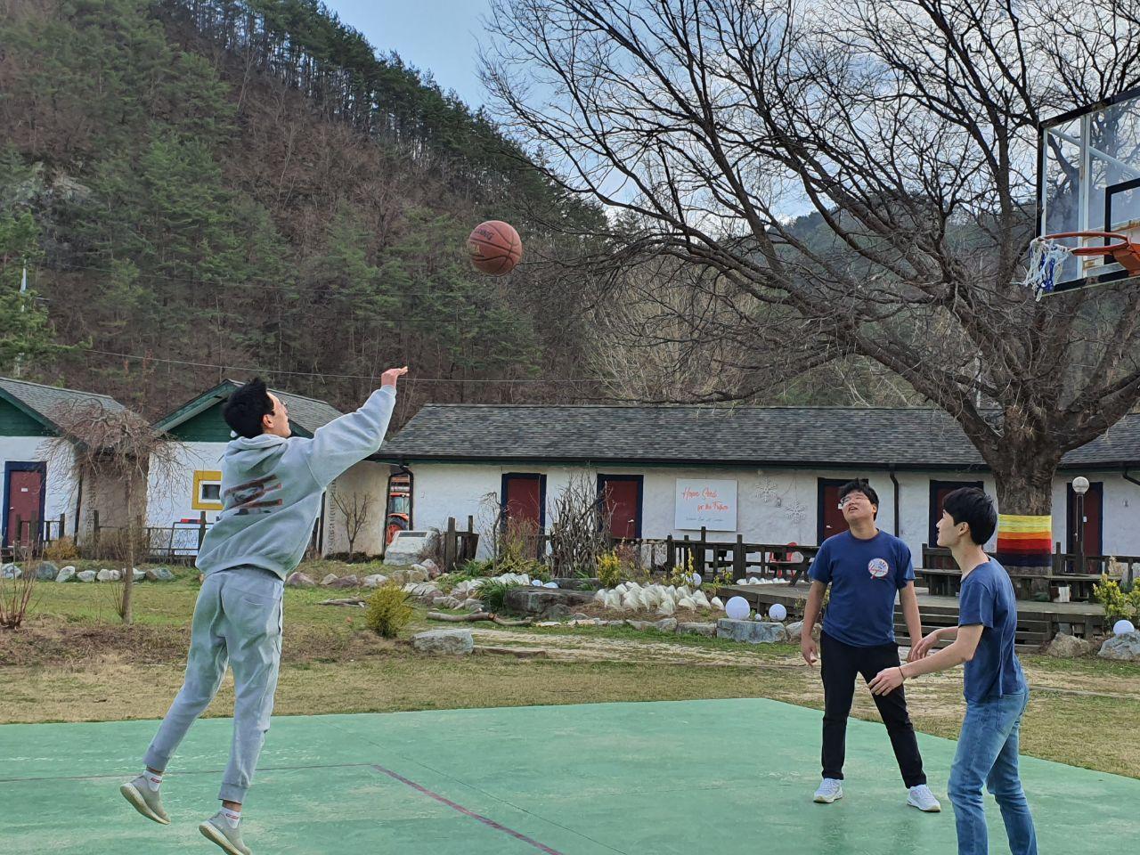 봄 농구.jpg